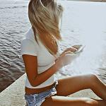 Девушка у реки и мой финстрип за сентябрь 2016 года
